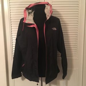The North Face HYVENT DT windbreaker